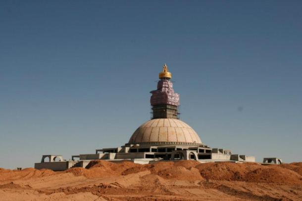 gobi_stupa2