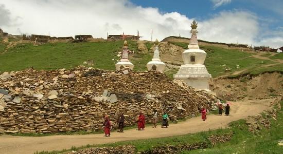tibet_malysonprude2-e1360024481417-550x300